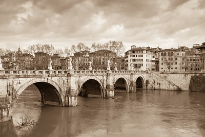 Ponte San Angelo, Rome, 2013  ©Gerald Diamond All rights reserved