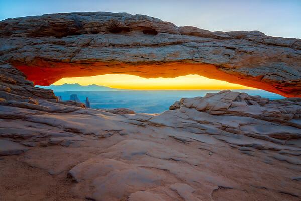 Mesa Arch Dawn - Canyonlands