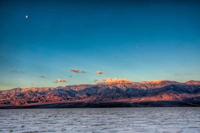 badwater-moon-sunrise