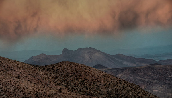 death-valley-cloud-hdr
