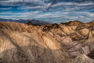 death-valley-golden-canyon