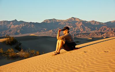 sand-dune-woman-3
