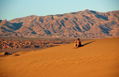 sand-dune-woman-2