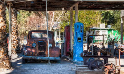 rusty-car-gas-pumps