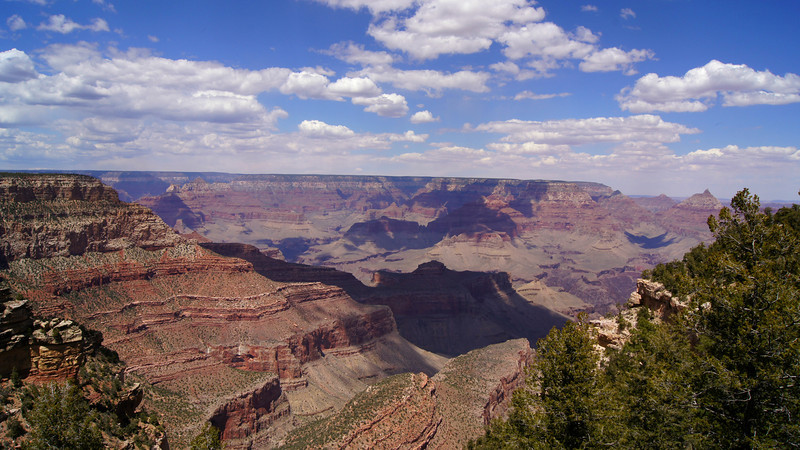 Looking west over the spectacular Grand Canyon, Arizona.