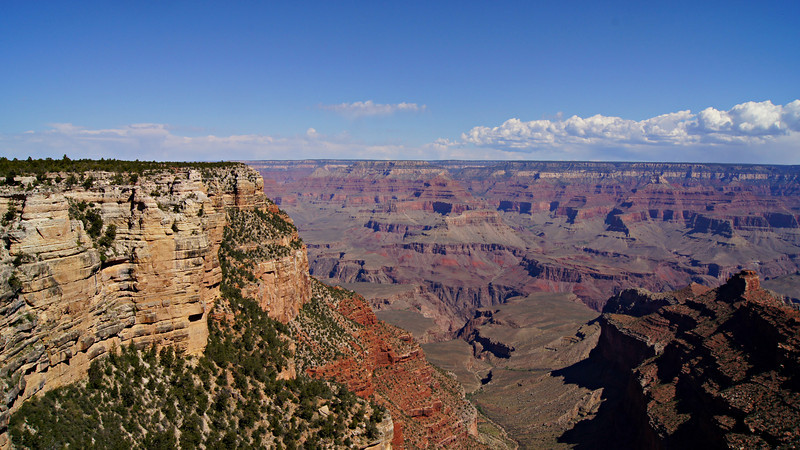 A view northwest from the south rim of the Grand Canyon, Arizona.