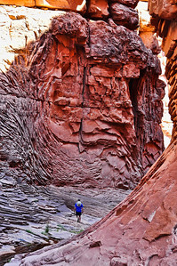canyon-walls-hiking