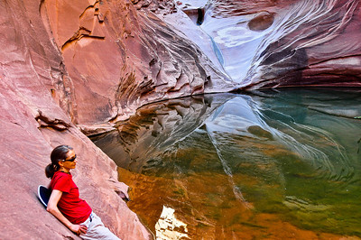 canyon-pool-woman