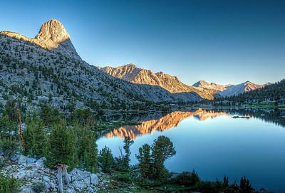 fin-dome-rae-lakes-sunrise