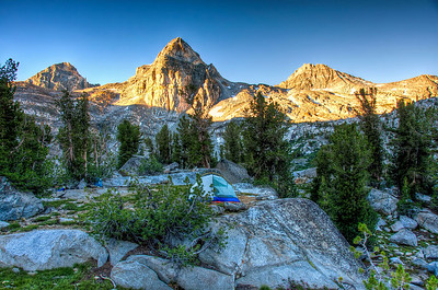 mountain-sunrise-tent-camping