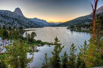 mountain-lake-sun-down