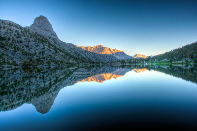 fin-dome-rae-lakes-reflection