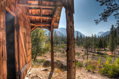 kings-canyon-cabin