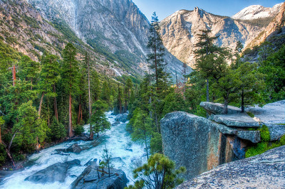 kings-canyon-river-mountains