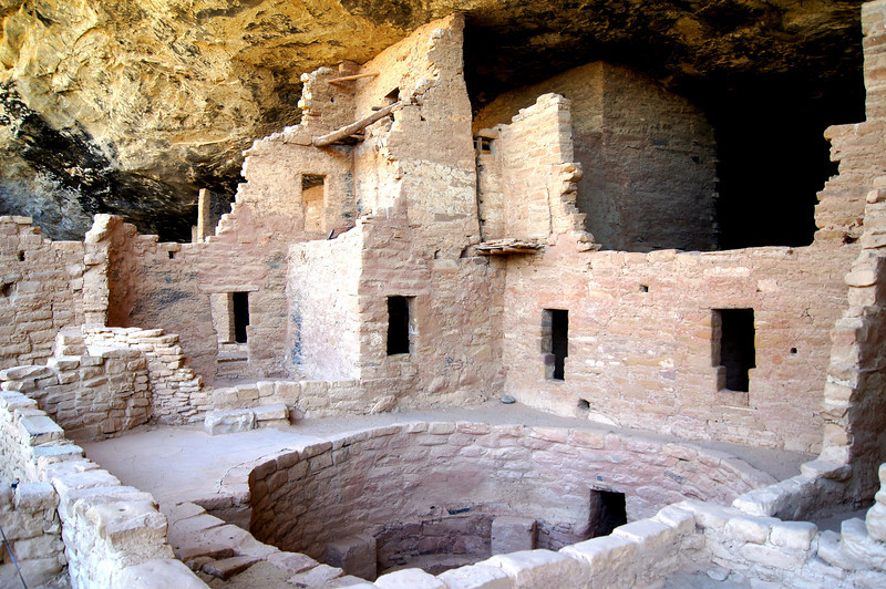 An open kiva and adjoining chambers, Spruce Tree House, Mesa Verde National Park, Colorado