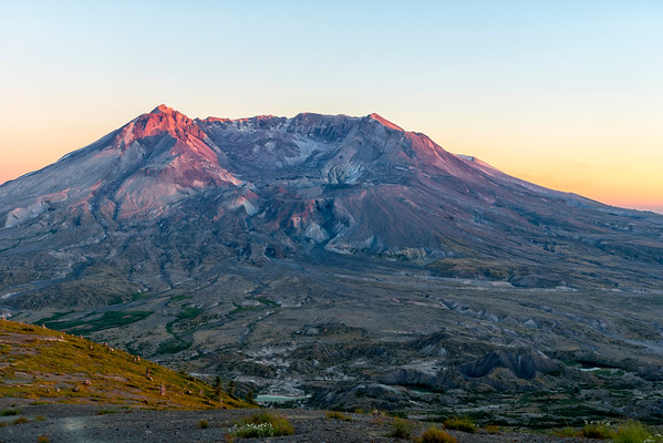 Mount St  Helens Sunset - Mount St  Helens