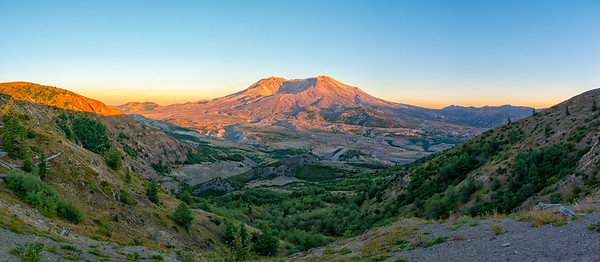 Mount St  Helens Sunset Panorama - Mount St  Helens
