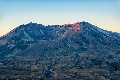 Mount St  Helens Sunrise Zoom - Mount St  Helens