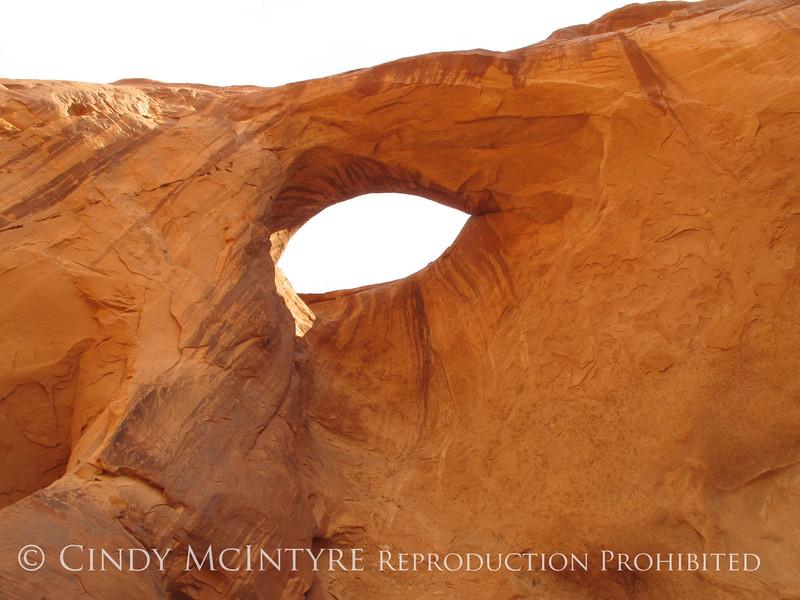 Arch near petroglyphs, AZ (2)