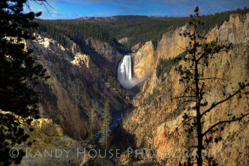 The Lower Yellowstone Falls from Artist Point onp the South Rim.