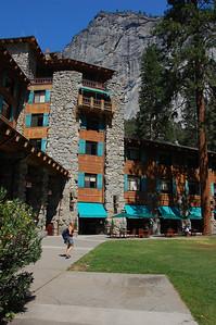 yosemite-ahwahnee-hotel