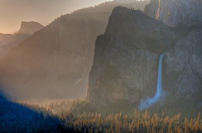 yosemite-bridalveil-falls-mist
