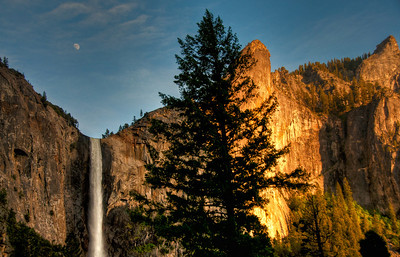 yosemite-bridalveil-falls-moon-4