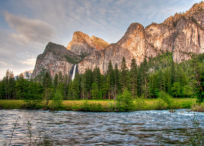 yosemite-bridalveil-falls-merced-river