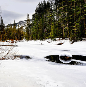 frozen-yosemite-river-reflection-1