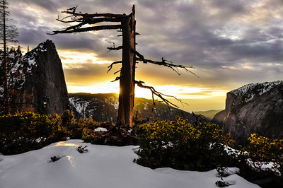 snowy-mountain-sunset-lookout-2