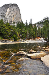 yosemite-emerald-pool-liberty-cap-mountain-2