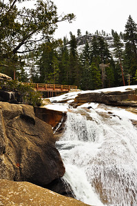 yosemite-bridge-nevada-falls