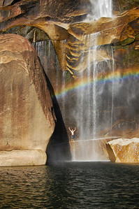 yosemite-vernal-falls-rainbow-2