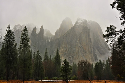 yosemite-valley-fog-mountains