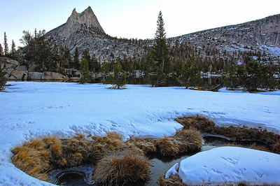 yosemite-cathedral-peak-creek-snow