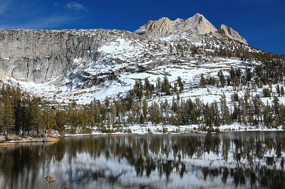 yosemite-cathedral-lake-mountain-4