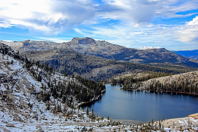 yosemite-cathedral-lake-mountains