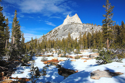 yosemite-cathedral-peak-4