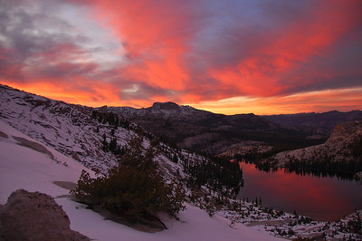 yosemite-cathedral-lake-sunset-glow-2