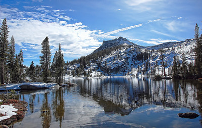 yosemite-cathedral-lake-mountain-2