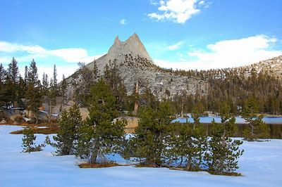 yosemite-cathedral-peak-lake-winter