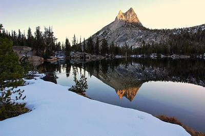 yosemite-cathedral-peak-lake-reflection-2