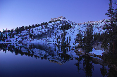 yosemite-cathedral-lake-dawn