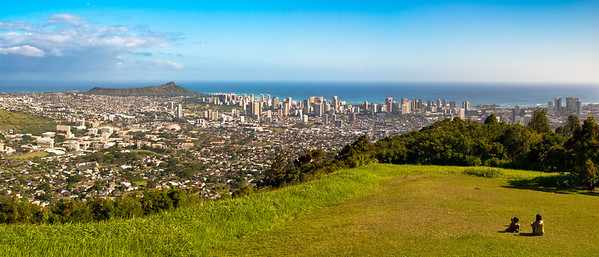 View from Pu'u 'Ualaka'a State Park. Diamond Head & Waikiki, Honolulu.