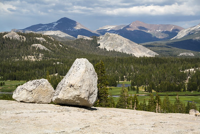 Glacial boulders & Tuolumne Meadows from Pothole Dome, Yosemite National Park
