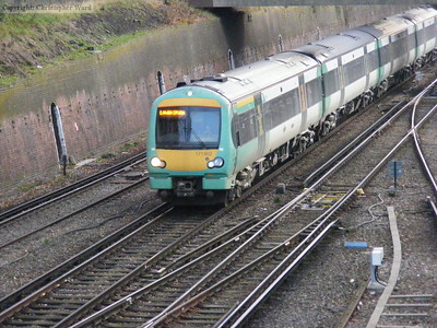 171802 arrives from Uckfield