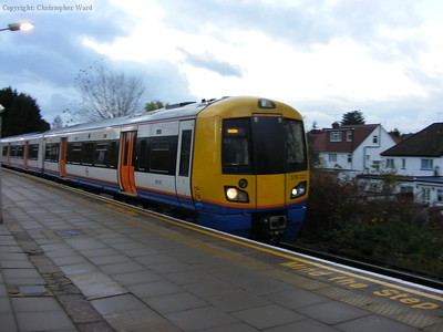 378229 arrives bound for Watford