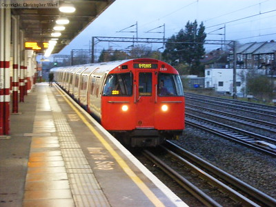 A Bakerloo line train to Elephant and Castle arrives