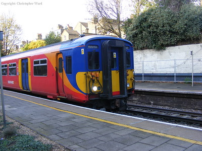A service from Weybridge to Waterloo