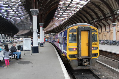 158859 sits in the bay platform at the end of platform 3 awaiting its next duty
